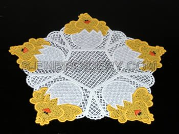 Easter Chick freestanding lace doily