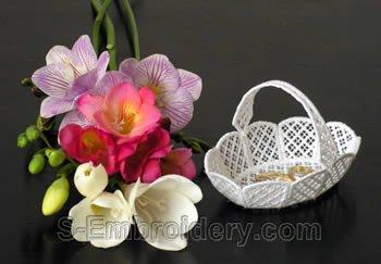 Freestanding lace basket #1