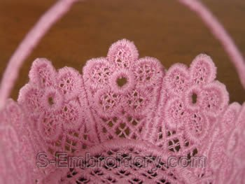 Freestanding lace wedding basket close-up