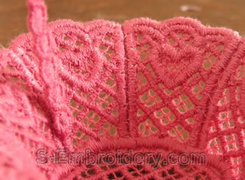 Freestanding lace wedding basket close-up