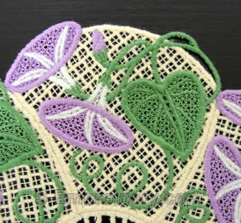 Frestanding lace doily #2 detail