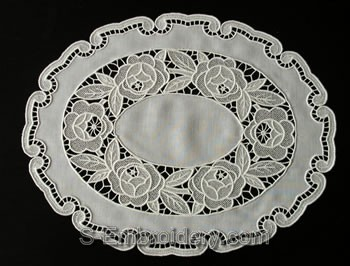 Freestanding Lace Placemat