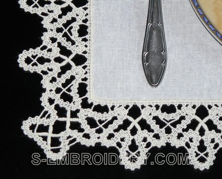 Battenberg lace place mat - detailed image