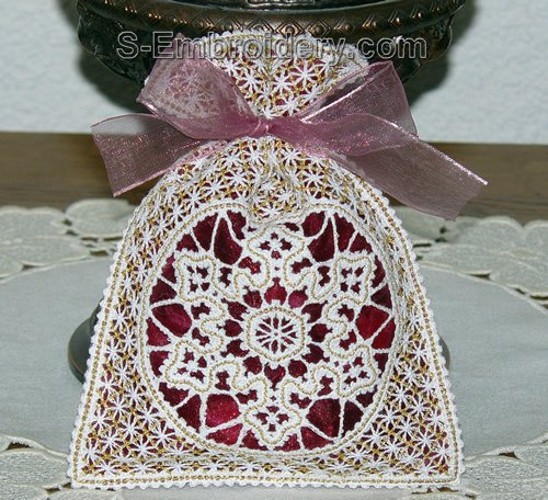 Freestanding Battenberg lace Christmas gift bag