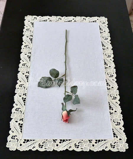 Floral freestanding lace table runner