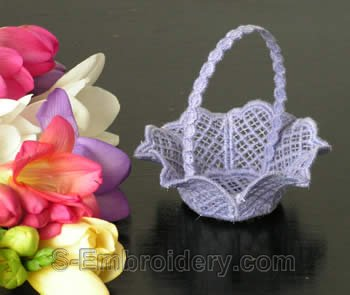 10238 Free standing lace wedding basket No12