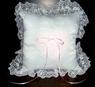 Ring bearer's pillow with freestanding lace heart